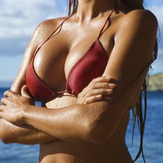 Минус 50000 рублей на красивую грудь!